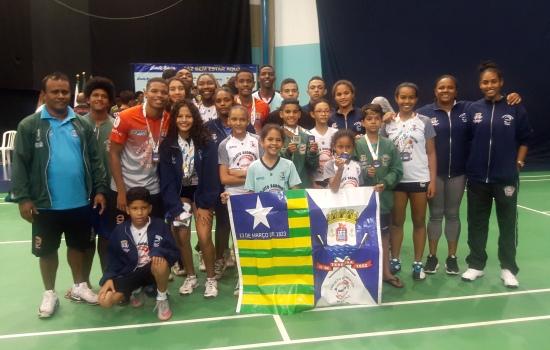 competição, tivemos, Curitiba, vários, clubes, projetos, badminton, diferentes, Sinal, Nestes, participantes, quatro, estados, encontro, Foram, esportivo