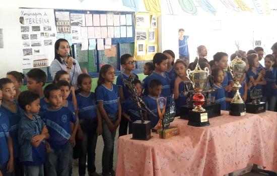 Escola, modalidade, Estado, Municipal, Parque, história, tantos, sucesso, Itararé, projeto, muito, saíram, primeiros, ganhou, resultados, participantes, Badminton, feito, confunde, presente