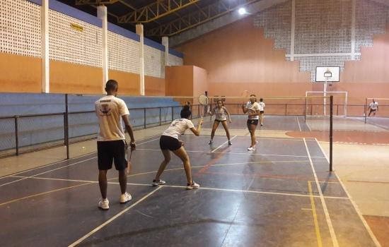 atletas, ASBAGDI, competições, forte, Escola, treinam, focados, Badminton, primeiro, fazem, primeiros, acontecerão, semana, desafios, alguns, parte, próxima, Projeto